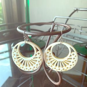 Jewelry - Filigree hoop earrings